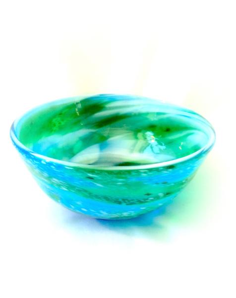 名工が作る趣深いガラス工芸品