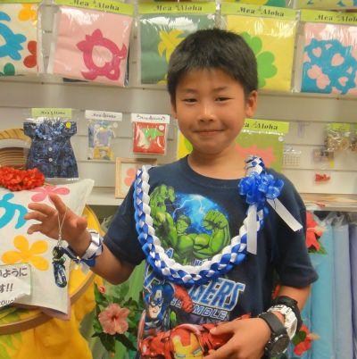 今年は手編みのレイとストラップで!!