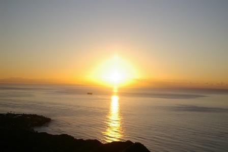 ダイヤモンドヘッドから日の出を見よう!
