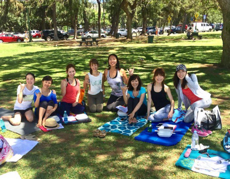 花田美恵子さんも参加ハワイでヨガ&英語