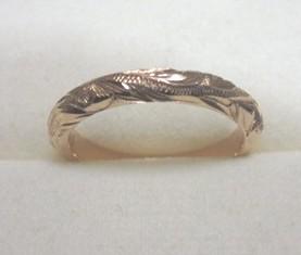 波のデザインの指輪とピアスをコアナニで
