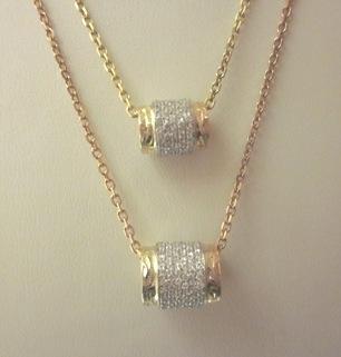 ダイアモンドタル型ペンダント