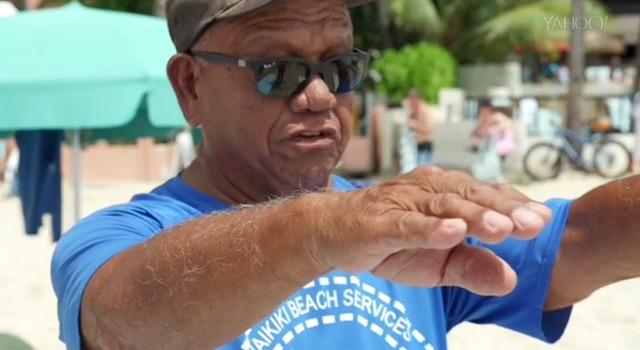 76歳ベテランのサーフィンインストラクター