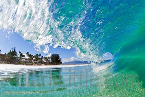 クラークリトルのダイナミックな波の写真