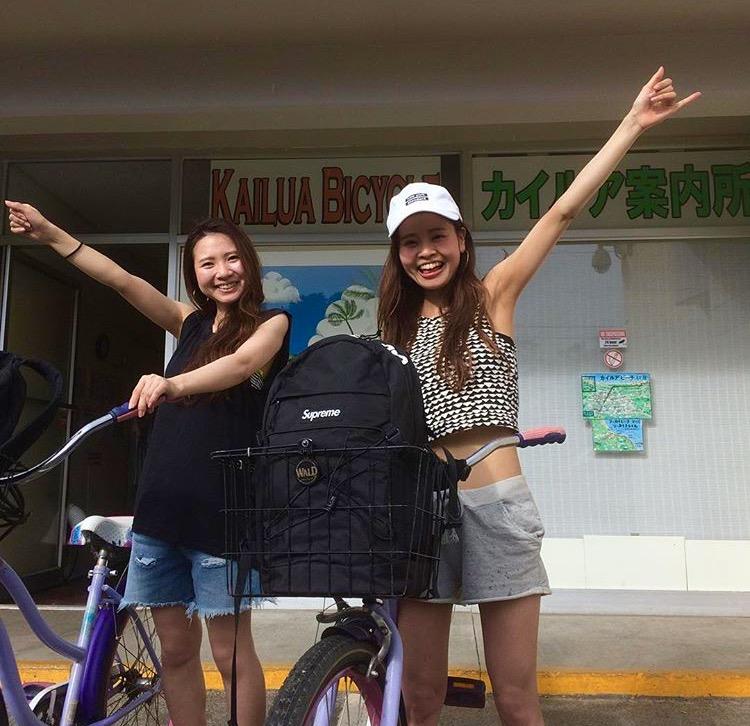 友達とレンタル自転車でラニカイビーチ