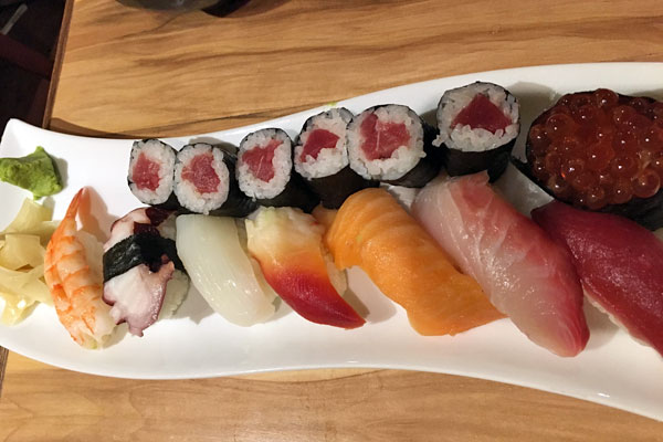 寿司カウンターは事前予約がおススメ!