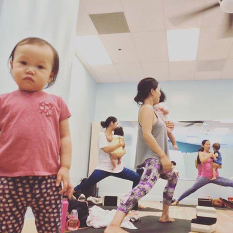 Mama & Baby Yoga