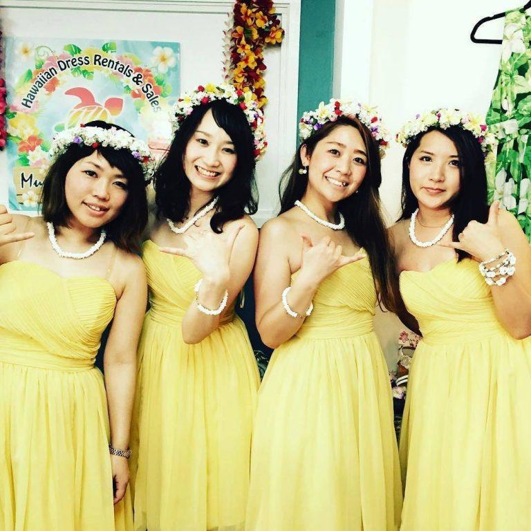 結婚式ゲストドレス!ムームー以外も!
