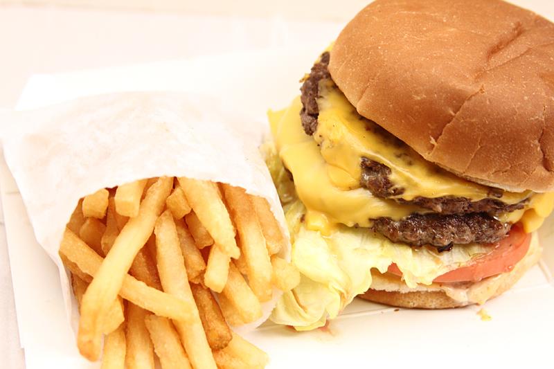 【チーズバーガー・ファクトリー】ダブルパテのチーズバーガー
