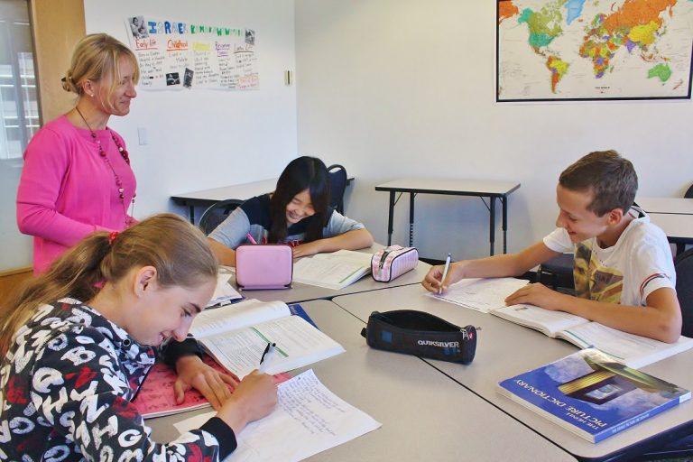 7歳から12歳向けの夏のケンブリッジ英語プログラム