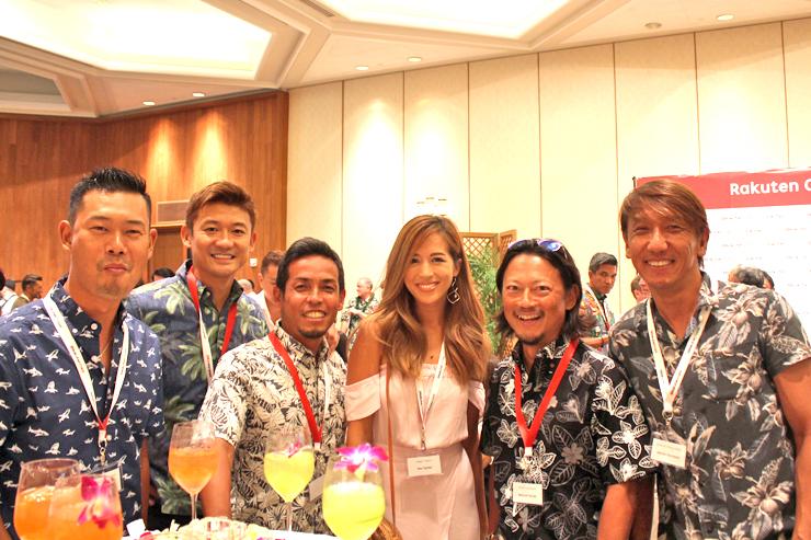 モデルのMieさんを囲んで、チームZetton&イケメンズ。右から稲本さん、本田さん、福田さん、菊地さん、マイケルさん!