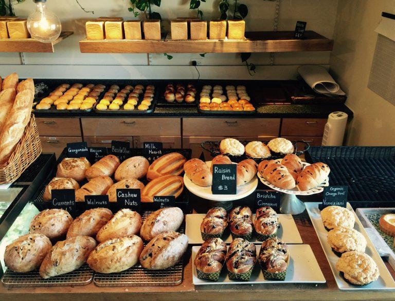 カハラからおはようございます!朝の焼きたてパン紹介