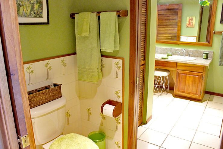 バスルームはトイレとお風呂が別々になっています。