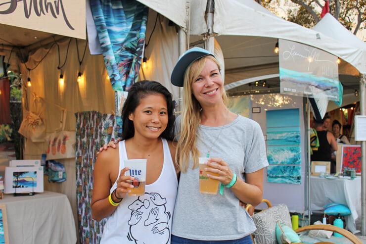 クリスゴトウ(左)とクリスティー・シン(右)は、大の仲良し♪どちらも才能あふれる若手アーティストです