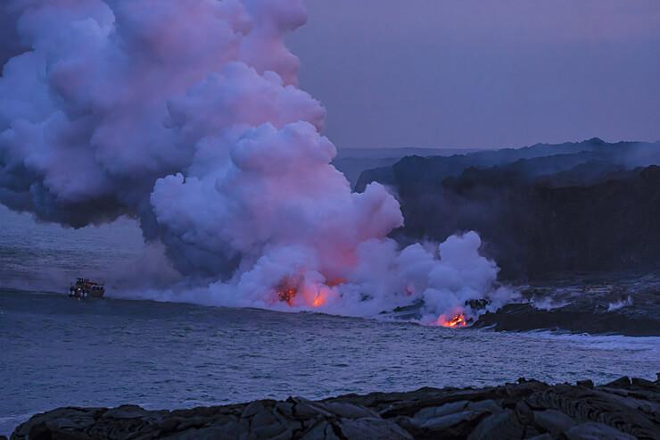 トロトロ溶岩が海に流れるところを見てきた!