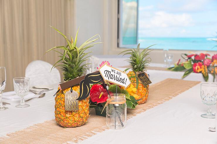 オプションでハワイらしいテーブル装飾も