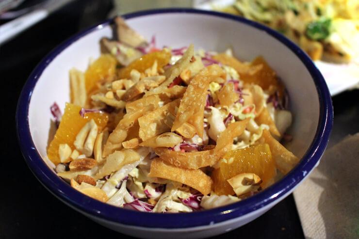「マインドフル・グリーンズ」も好きなサラダを選択。こちらはアジアン・スロー。