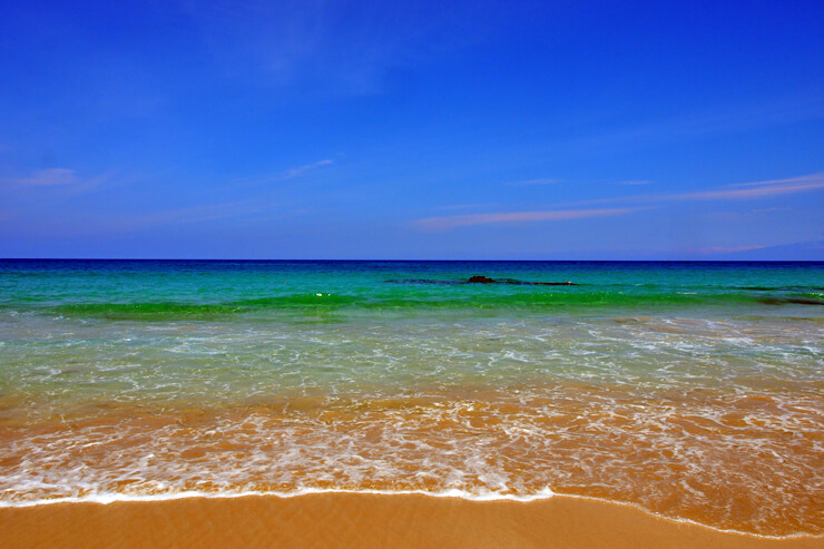 全米一美しいビーチに選出されたこともあるハプナ・ビーチ