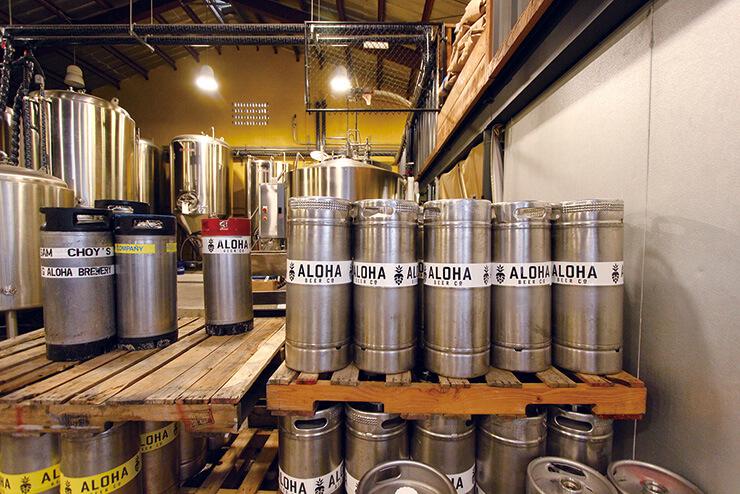 ビールは常時10種、通常のパイントとハーフ、サンプルサイズあり。
