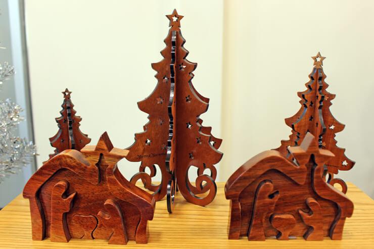 木の温もりを感じるコア製のクリスマスアイテム(マーティン&マッカーサー)