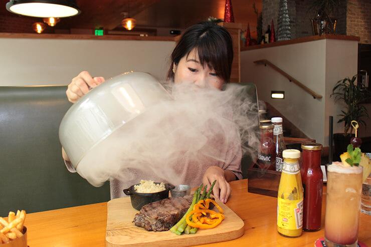 旨味爆発!パワーアップした薫製ステーキがスゴすぎ