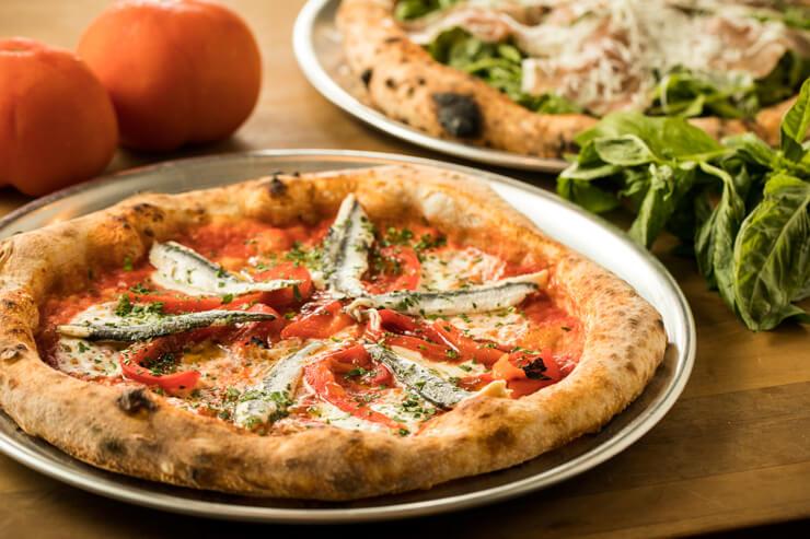 クーポン利用であの絶品ピザが50%オフに!