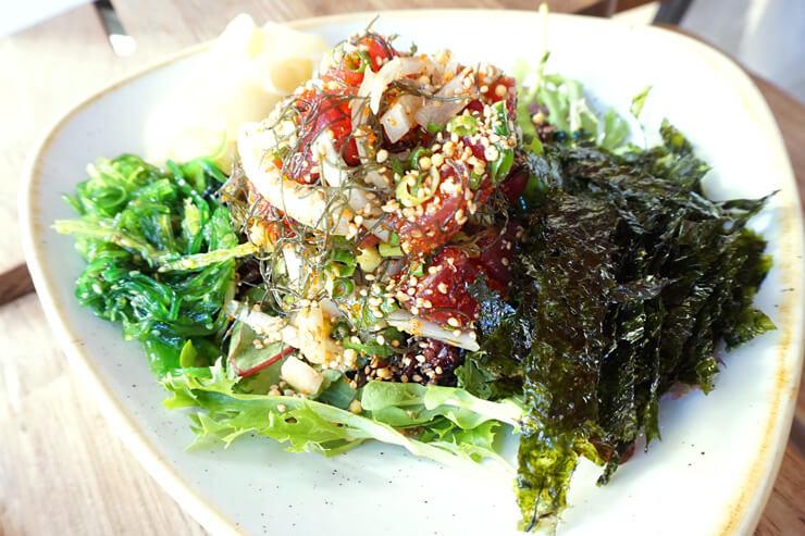 ワイキキ中心でお手頃海鮮グルメを味わおう!