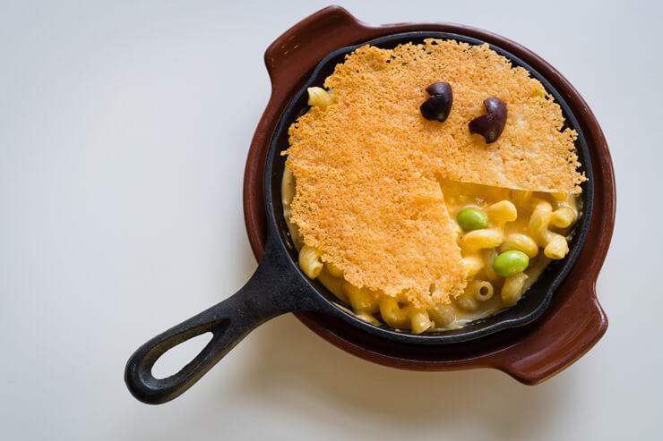 マカロ二・チーズ($9.95)