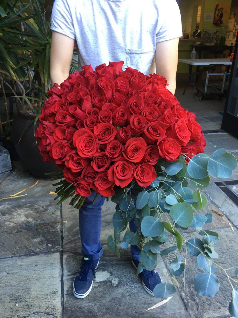 赤バラ100本のプロポーズブーケ