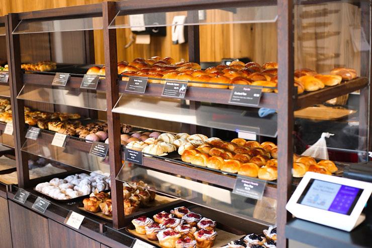 こだわりパンのブルク新店舗がマノアにオープン
