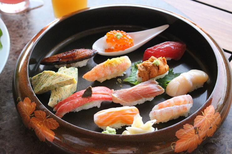 握り寿司:一個$3〜→$1.50〜(21:00〜23:00限定)