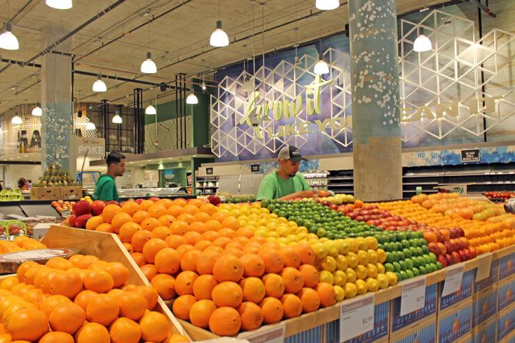 60以上の地元生産者から仕入れている野菜や果物は超新鮮
