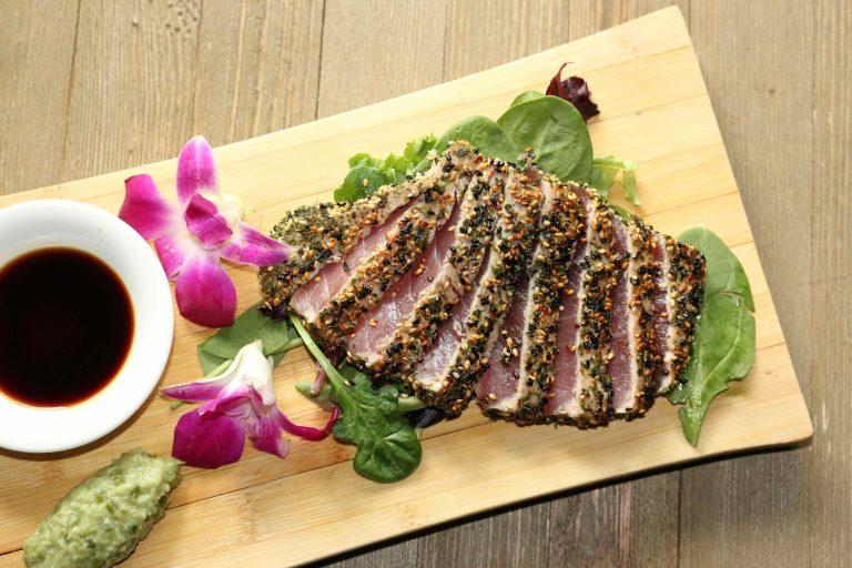 ハワイ近海産のマグロを使った料理が人気!!ジーニアスラウンジ