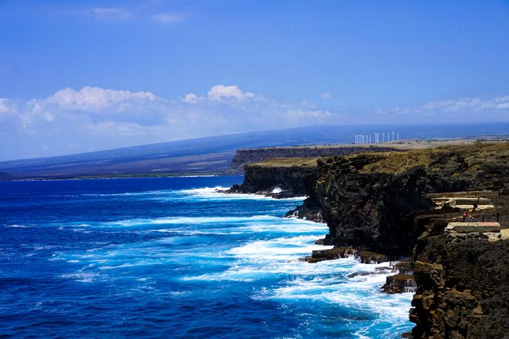 吸い込まれそうな絶景…ハワイ島最南端サウスポイント