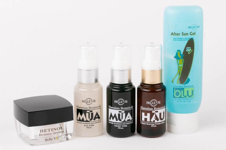 左から、カプセルタイプの美容液「RETINOL Beauty Serum」(60カプセル)$69、美白セラム「MUA」$150、 しわ用セラム「HAU」$135、日焼け後のクールダウン用ジェル「OLU」$22