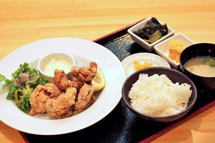 チキン唐揚げ定食$9.95