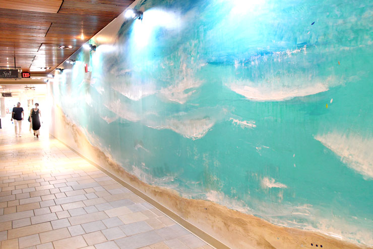 フォトジェニックな5つの「海の壁」がワイキキに