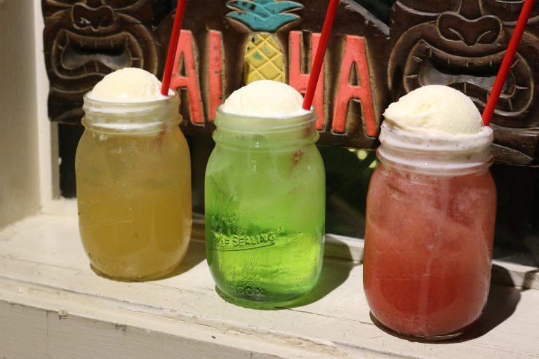 懐かしのクリームソーダがハワイアンフレイバーで復活!!