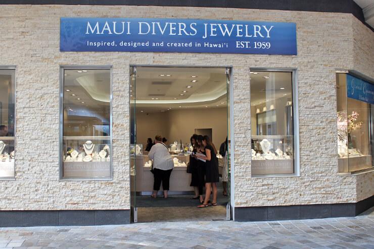 計37店舗を展開する最大級のハワイアンジュエリーブランド