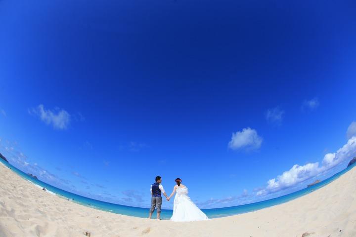 美しいビーチでの記念撮影