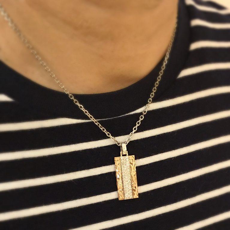 ピンクゴールドとダイアモンドの上品なペンダント