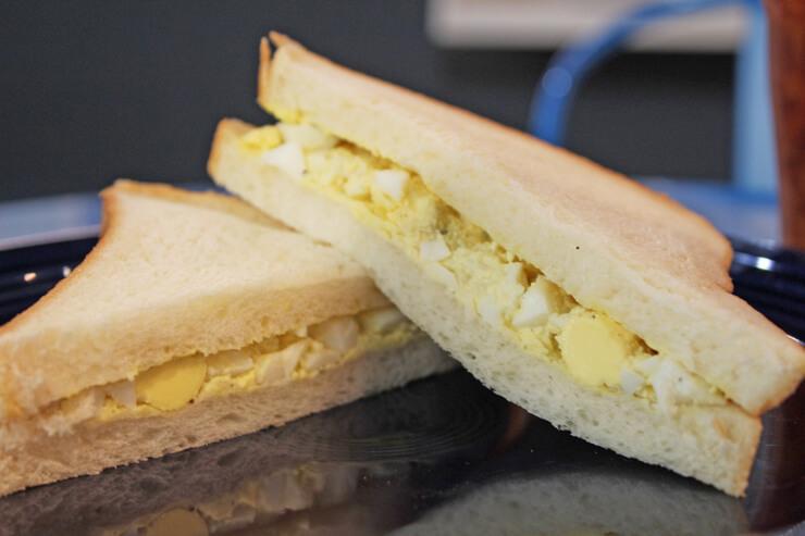 自家製のマヨネーズのサンドイッチ
