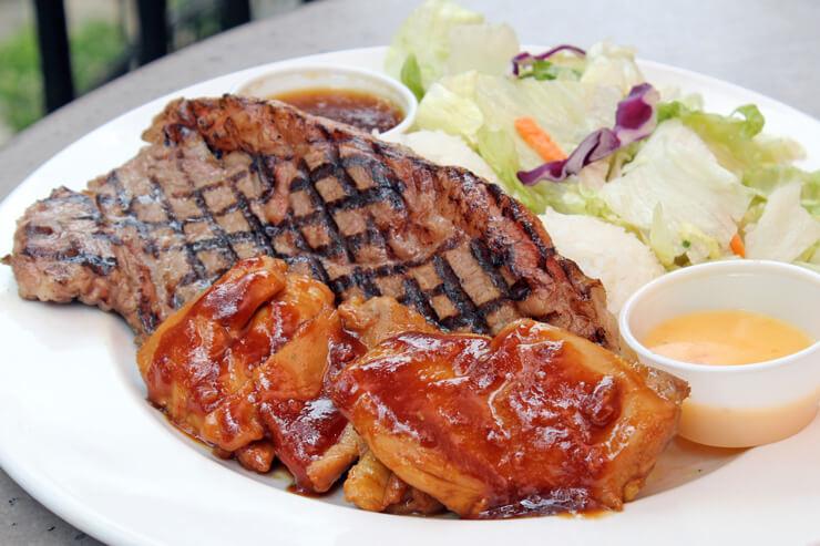 ステーキ&チキン:$17.75(ハーフ:$10.50)