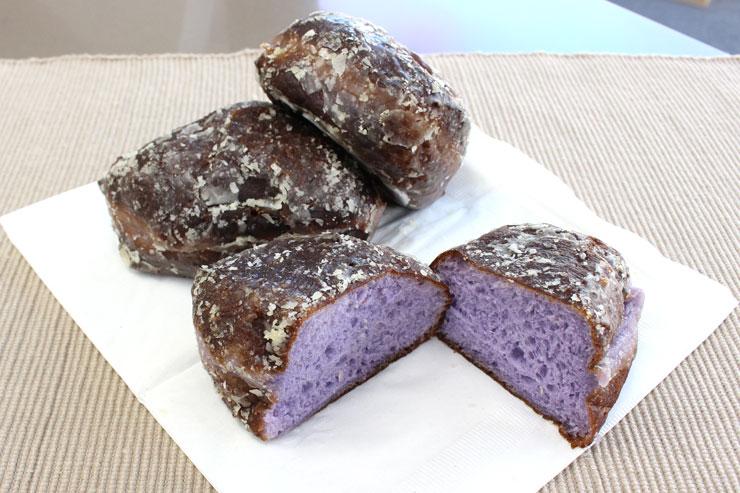 紫色のマラサダ「ポイ・グレーズド」
