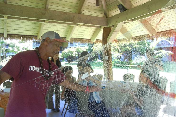 作りかけの大きな網も見せてもらいました。目が揃っていてきれい!