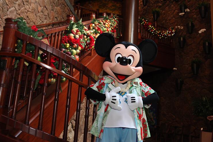 クリスマスの魔法に包まれたアウラニで特別な滞在を