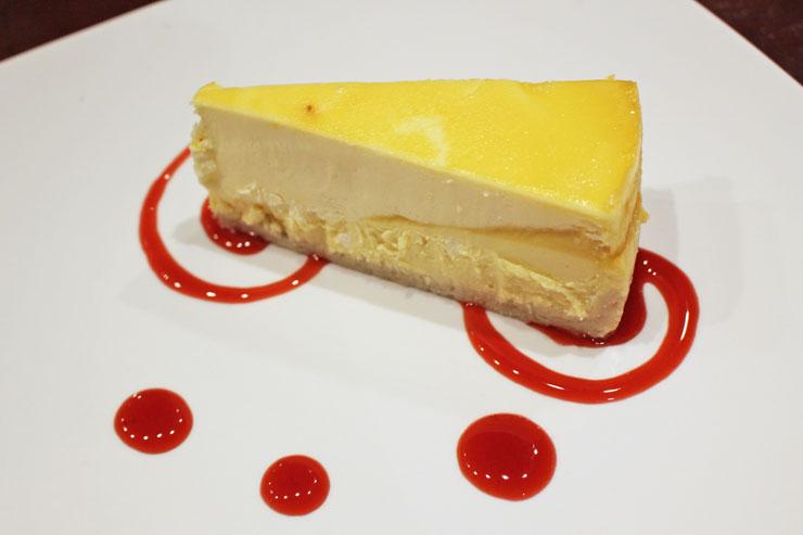 マンゴー・パッション・チーズケーキ($7.95)