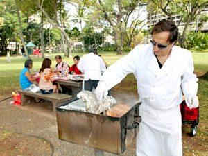 ハワイ流BBQに熟練したスタッフと専属シェフが全て用意!
