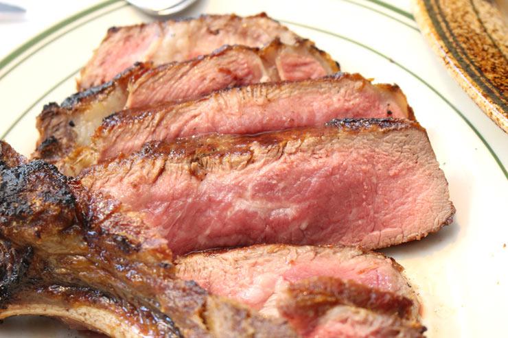 ロイヤル・ハワイアン・センターの肉三昧メニュー