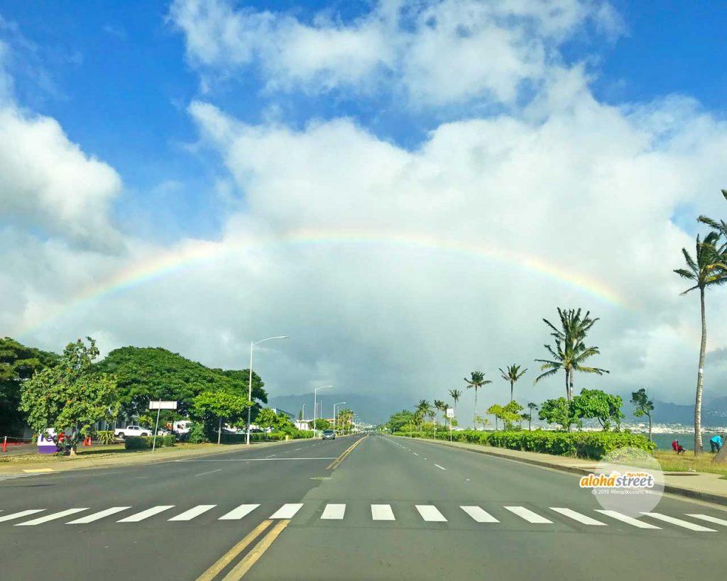 くぐれそうな虹のアーチ